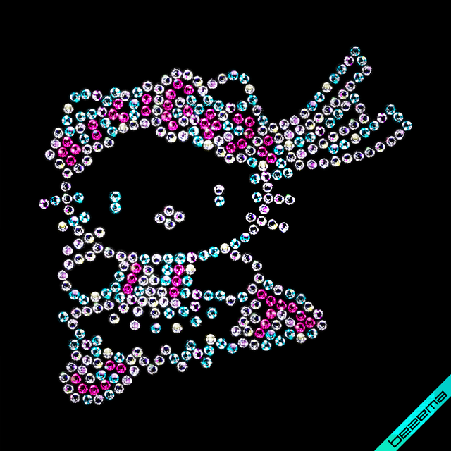 Декор зі страз на плащі Hello Kitty (Скло,2мм-троянд.,2мм-бенз.)