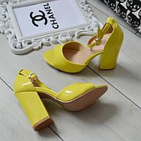 Босоніжки жіночі жовті лаковані на каблуці 37р, фото 1