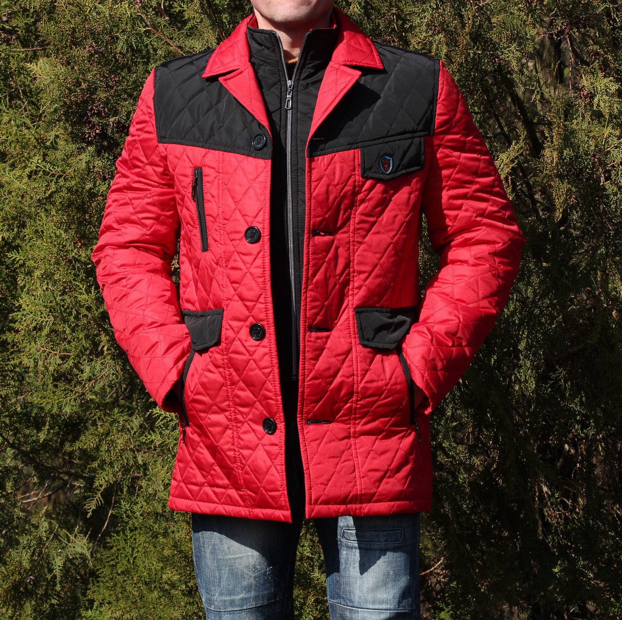 Демисезонная мужская куртка красная молодежная