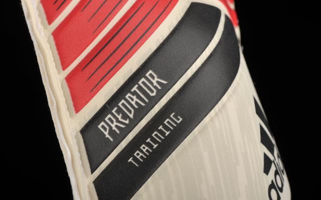 vratarskie-perchatki-adidas-0q0ay040412