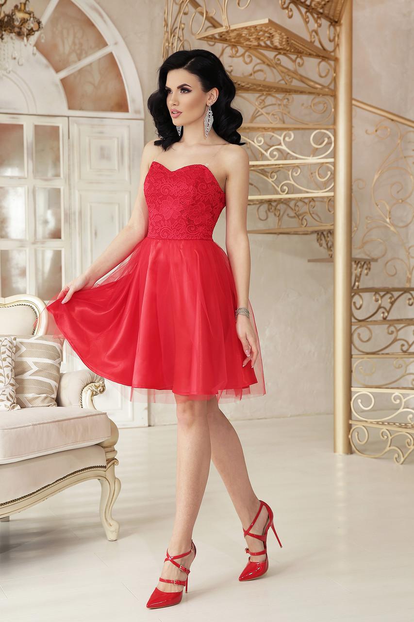 Модное платье выше колен пышная юбка без рукав на бретелях красного цвета