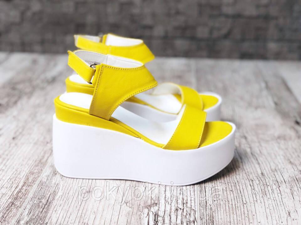 5614d1073 Модные яркие женские босоножки из натуральной кожи лето на высокой платформе +танкетка открытый носок желтые