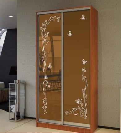 Шафа-купе з художнім матуванням на бронзових дзеркалах