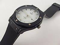 Мужские часы Hublot Geneve 013238 черные с белым, водонепроницаемые с календарем