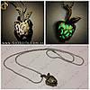 """Винтажное украшение - """"Green Apple"""" - светится в темноте"""