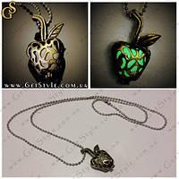 """Винтажное украшение - """"Green Apple"""" - светится в темноте, фото 1"""