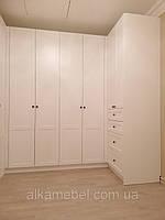 Гардеробная комната в скандинавском стиле с дверями мдф