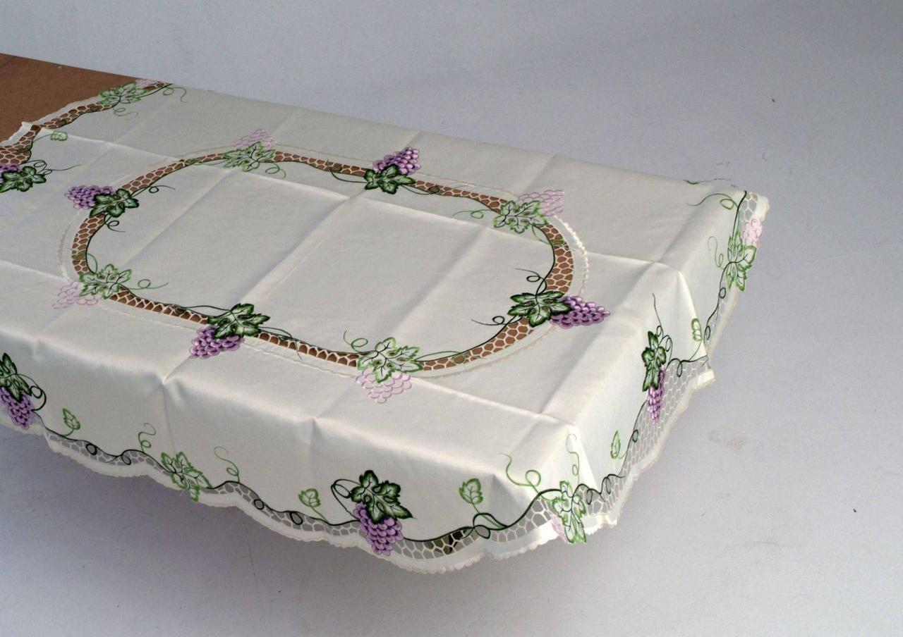Скатерть на кухонный стол 170*130 грозди винограда