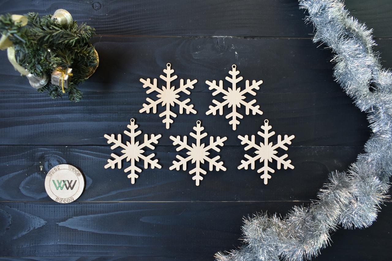Снежинки из фанеры на ёлку, новогодний декор, ЭКО игрушки на ёлку, новогодние снежинки из дерева.