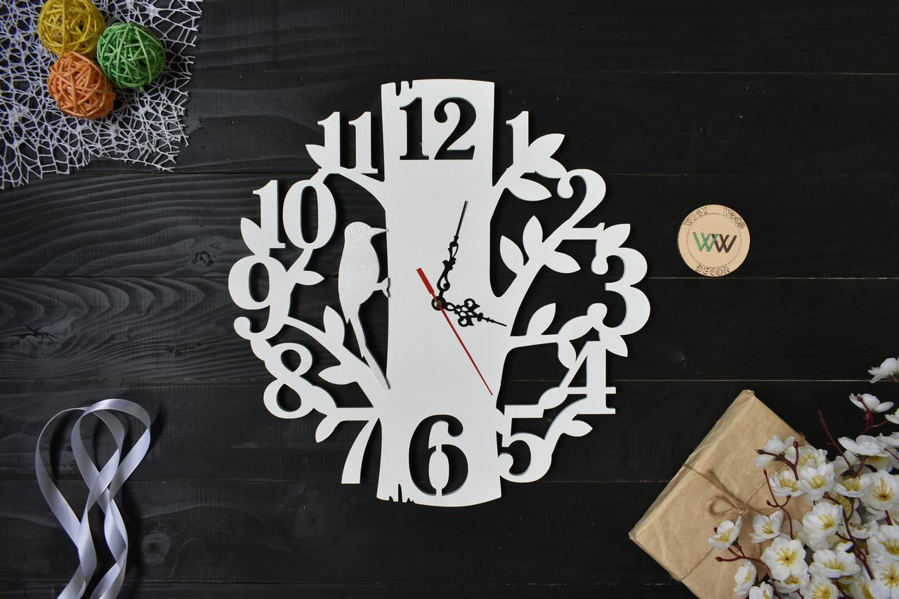 "Часы настенные ""Птичка на дереве"", дятел, крупные цифры"