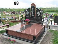 Подвійний ексклюзивний пам'ятник на двох осіб із граніту лізник та габро на цвинтар.