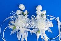 Бежевые бутоньерки на свадьбу №3