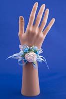 Голубая бутоньерка-браслет на руку №26