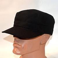 Однотонная кепка черного цвета для охранников