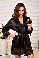 Черный атласный халат с кружевной отделкой