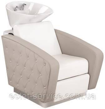 Мойка ODSESSION с кресло обтянутым кожзамом с декором каретной стяжки