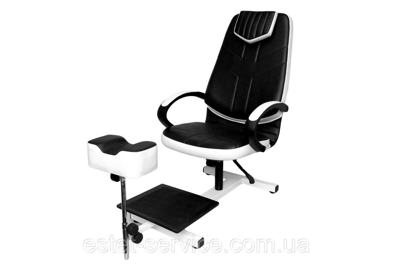 Педикюрное кресло с подлокотниками и подставкой DS203