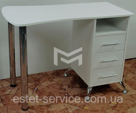 Стол маникюрный М131  фасады стола с каретной стяжкой