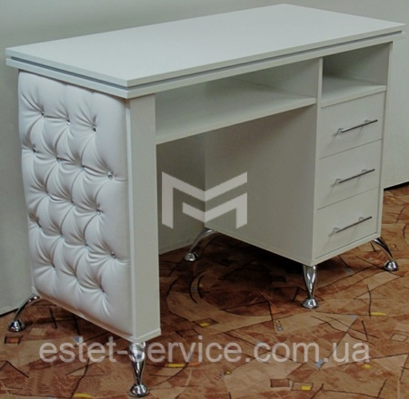 Стол маникюрный М132  фасады стола с каретной стяжкой