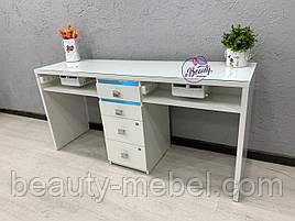 Широкий маникюрный стол для двух мастеров