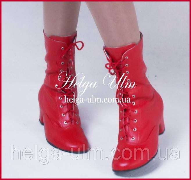 Червоні шкіряні чоботи - 33 р. ПРОКАТ у Львові з костюмами від ТМ Helga Ulm