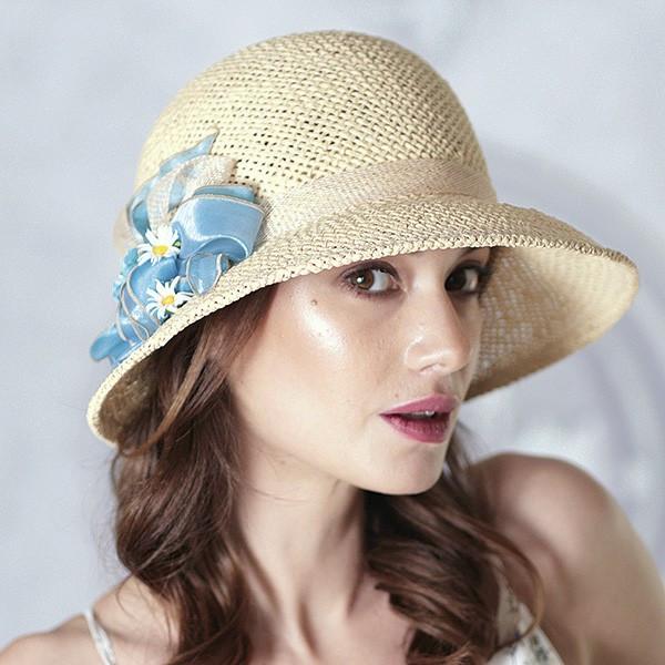 Бежевая шляпа из травяной соломки  ширина поля 8 см размер 55-59 см