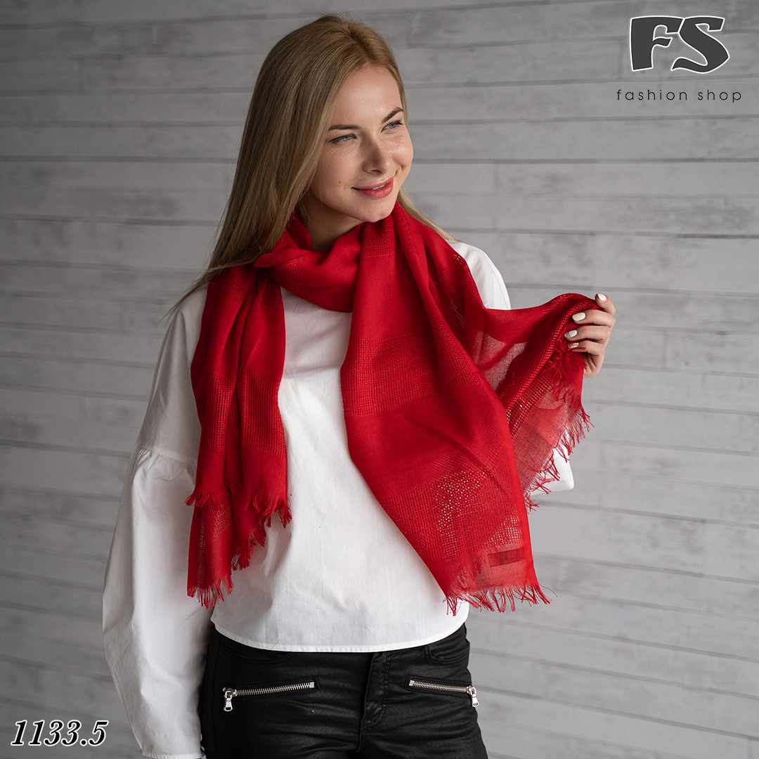 Стильный червоний  шарф Грація