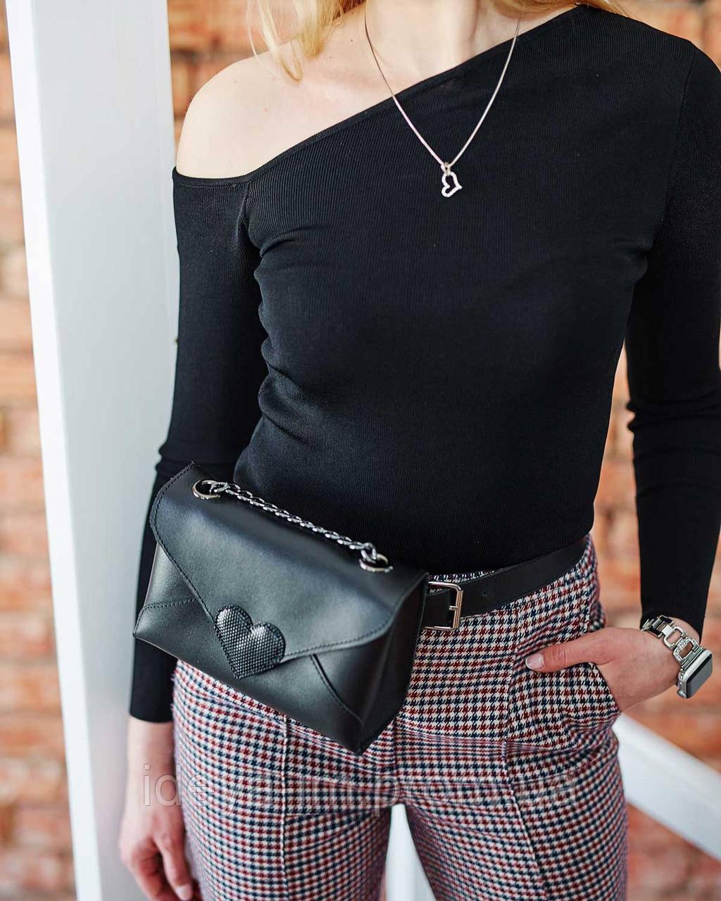 Женская сумка-клатч Leya с черного цвета с черным сердечком из натуральной кожи