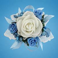Бутоньерка на руку (голубой цвет)