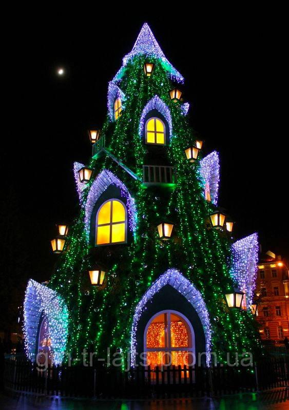 Вильнюская елка со сказочными домиками