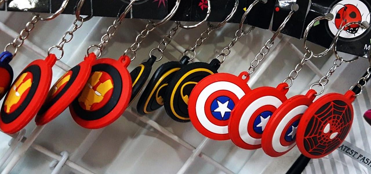 Набор брелков щиты супергероев