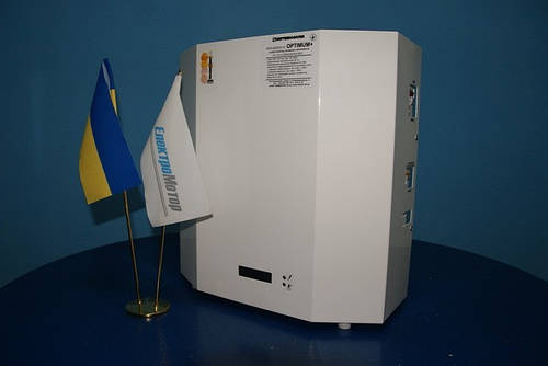 Стабилизатор напряжения НСН-3x9000 Optimum