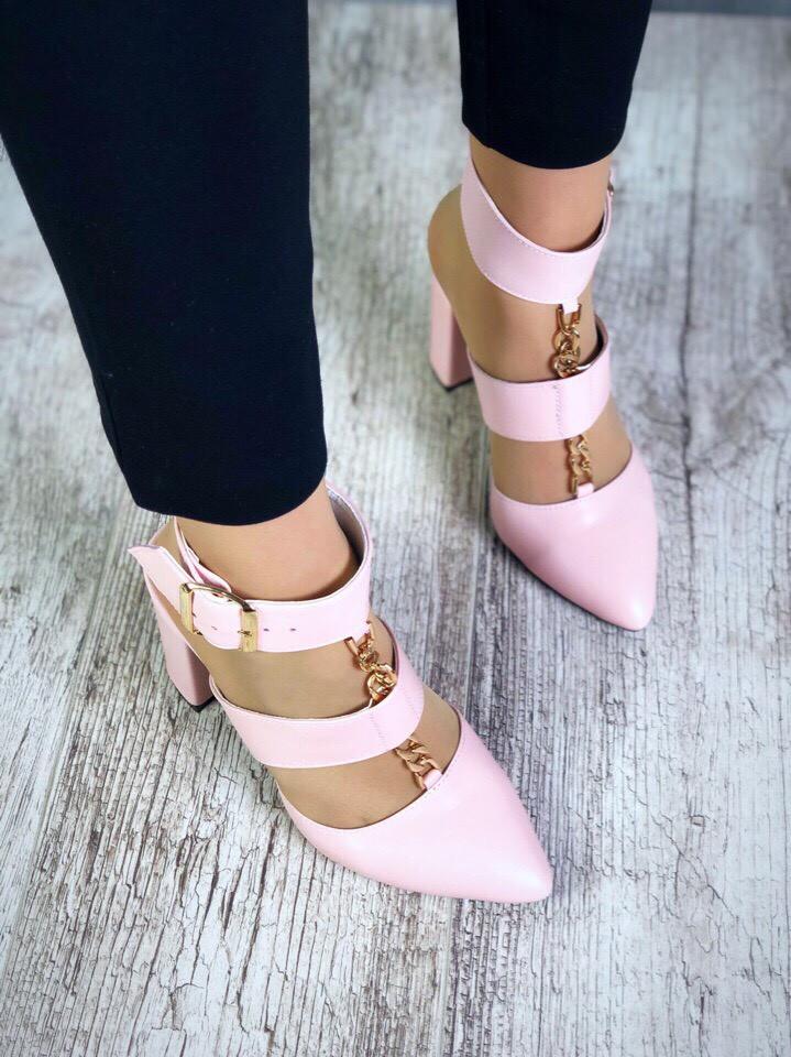 Шикарные удобные женские кожаные туфли Belisimo