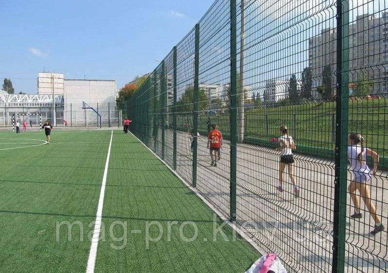 Ограждение спортивных площадок (2 м. длинная сторона и 4 м. короткая) для футбола 70х110