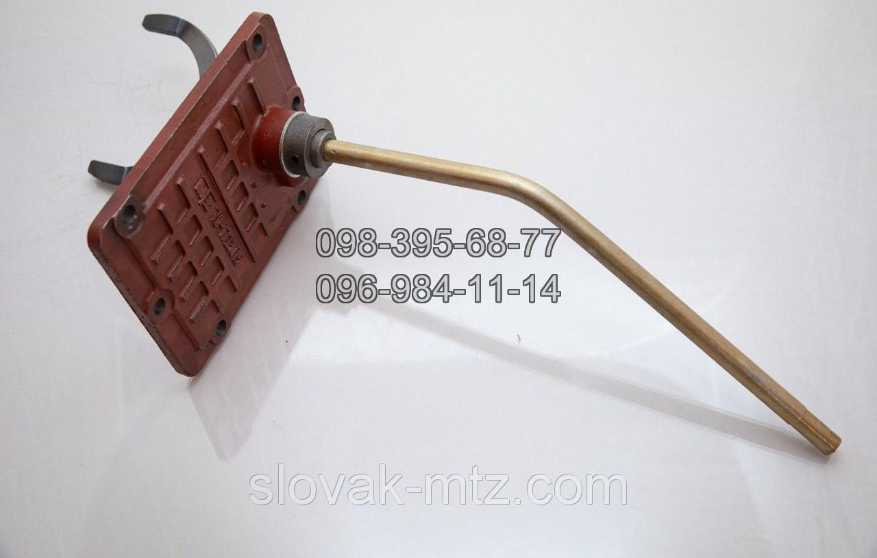 Крышка 70-1723010 управления редуктора МТЗ (старый образец)