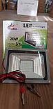 Переносной светодиодный прожектор 12v 20w LED 20w 12v (на зажимах крокодилах), фото 3