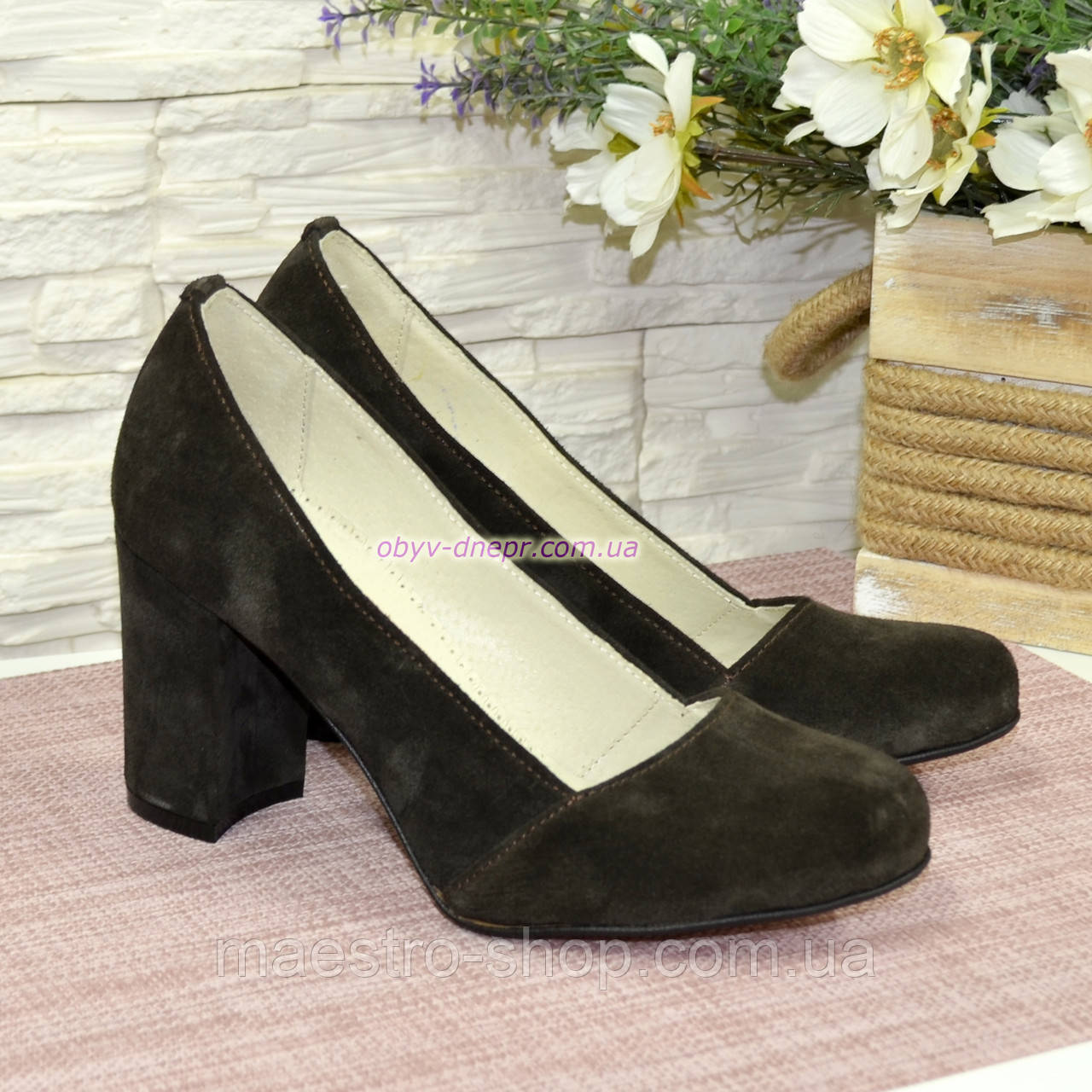 Туфли замшевые на высоком устойчивом каблуке, цвет коричневый