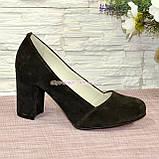 Туфли замшевые на высоком устойчивом каблуке, цвет коричневый, фото 2