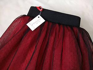Юбка женская из черной евро сетки в точку и красного фатина поднизом.