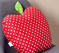 Подушка декоративная Яблоко 42х47см красный горох