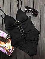 Женский закрытый купальник черного цвета