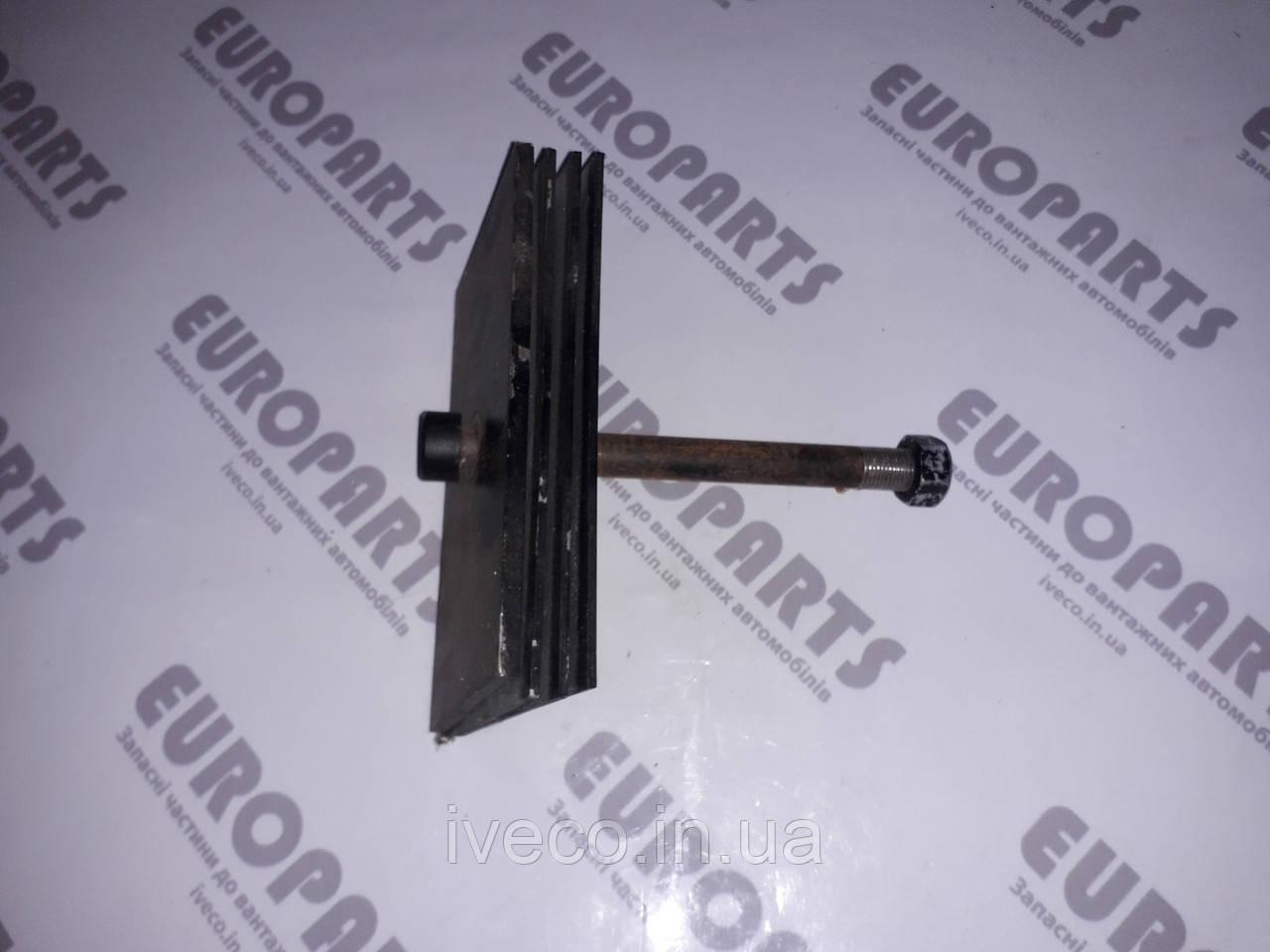 Стяжной болт с пластинами рессора 4 листовая задняя Iveco Eurotrakker 2469949