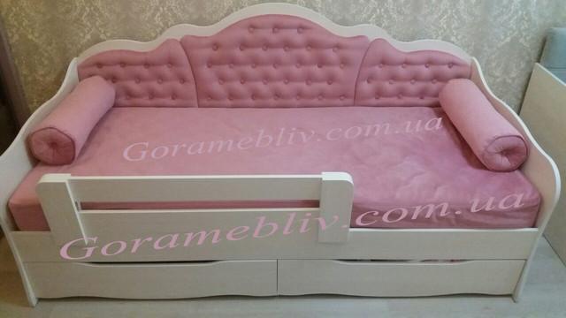"""На фото: детская кровать """"Л-6""""  в интерьере (отзыв наших покупателей)"""