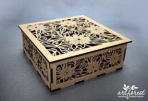 Шкатулка из фанеры (прорезная с цветами)