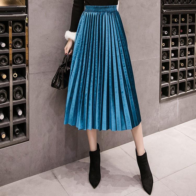 Женская длинная плиссированная бархатная юбка голубая