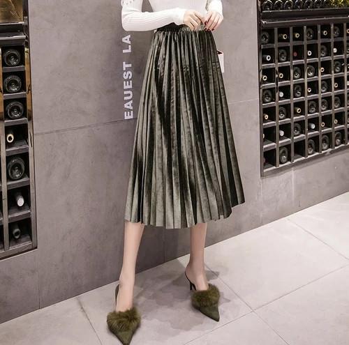 Женская длинная плиссированная бархатная юбка зеленая