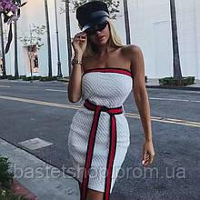 Женское летнее платье мини без бретелек с открытыми плечами в 2-х цветах