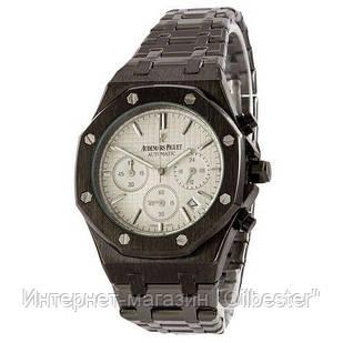 Классические мужские часы черного цвета с белым циферблатом