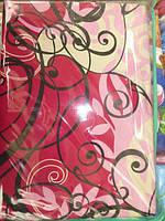 Постельное белье семейное красно -розового цвета