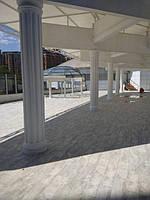 Установка колонн гостиница Одесса.jpg